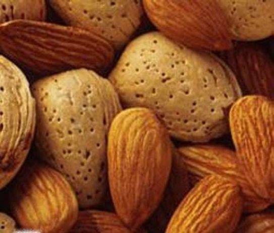 vende-se 25kg de amendoas