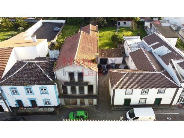 Moradia T5 na Ilha Terceira