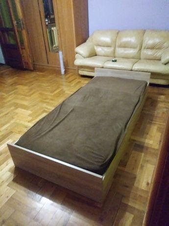 Sprzedam łóżko z materacem dłu200 sze90