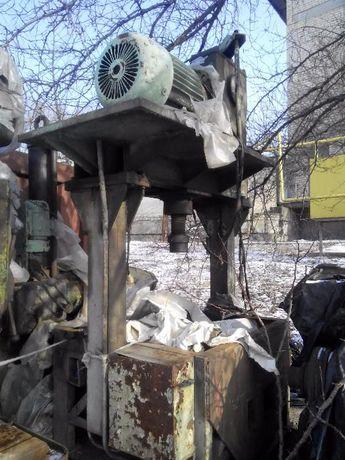Пресс винтовой станок, рабочие состояние Луганск