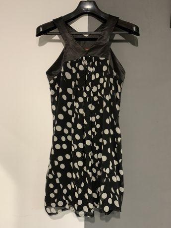 Sukienka czarna w białe grochy