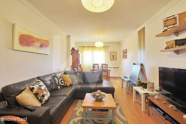 Apartamento T3 Duplex São Bernardo, com varanda, solário, 2 arrumos e