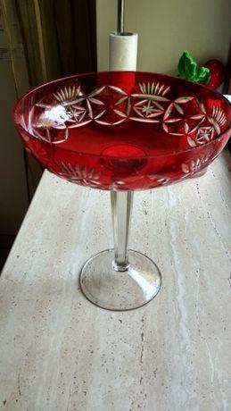 Ваза для фруктов из цветного ( красного) хрусталя ( Антиквариат,СССР)