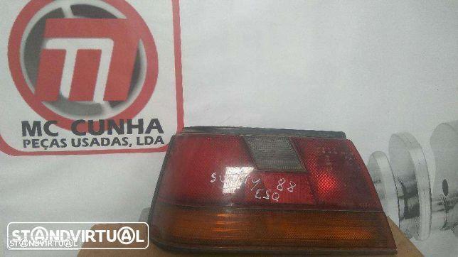 Farolim Nissan Sunny II Hatchback - esquerdo