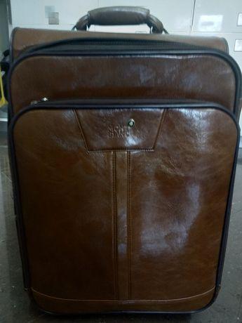 Кожаный чемодан,элит класса