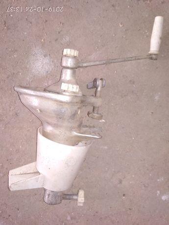 Ручна механічна сокодавка