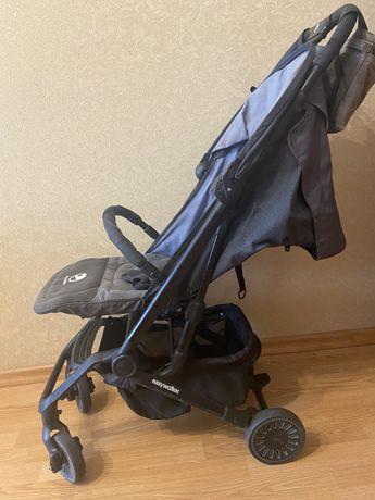 Прогулочная легкая компактная коляска easy walker