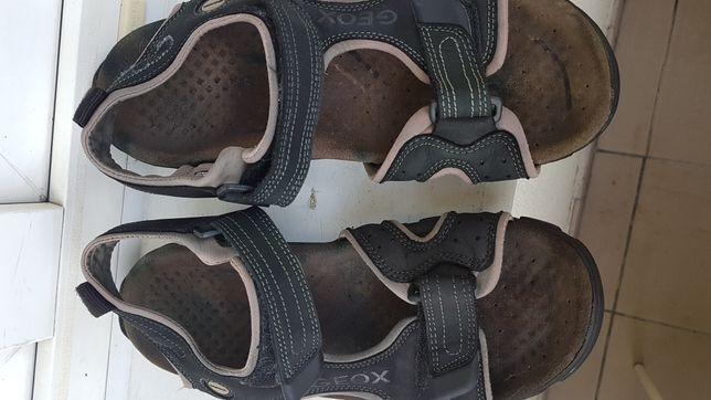 Sandały męskie skórzane Geox.
