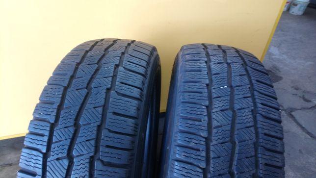 2 Opony używane zimowe 215/60R17C Michelin