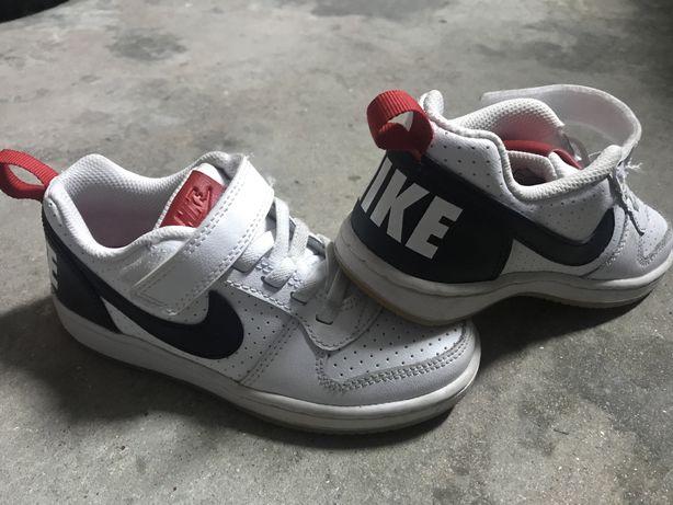 Sapatilhas Nike de crianca