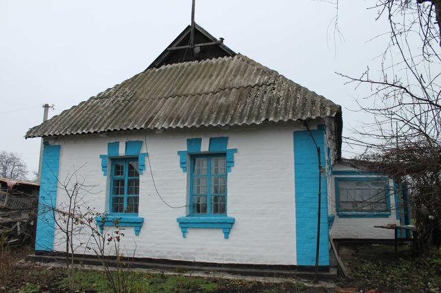 Дом с ремонтом в селе Лосятин, участок 40 соток, выход к пруду