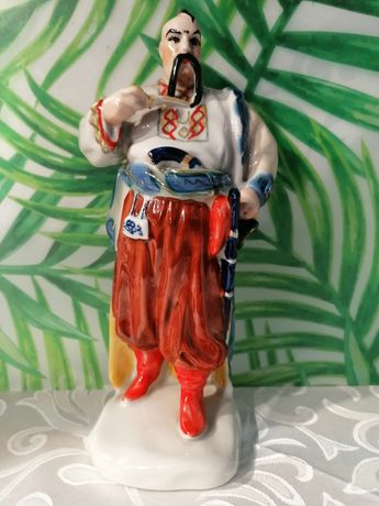 Piękna rzadka porcelanowa figurka kozak Połonne