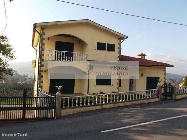 Moradia individual T5 - Vila Verde, Portela do Vade