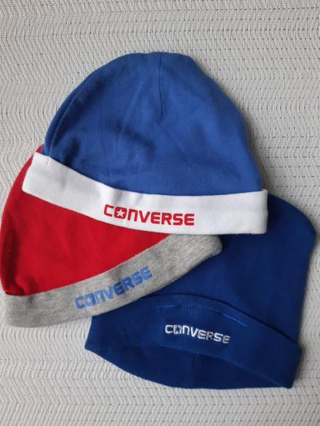 3 czapeczki CONVERSE, cena za całość.