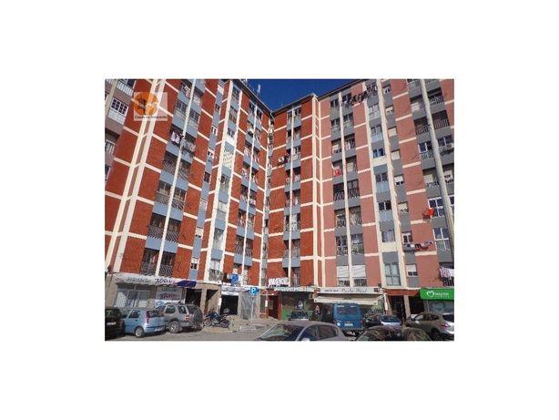 Imóvel Banco Apartamento T2 em zona central Corroios Seixal