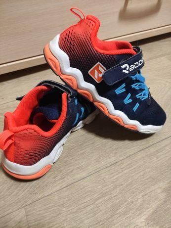 Продам кроссовки 31 размер