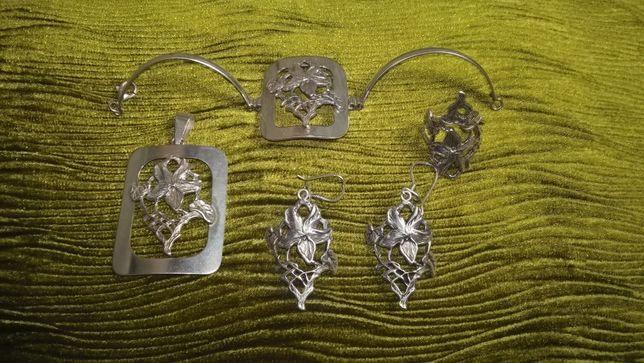 Zestaw srebrnej biżuterii bransoletka kolczyki zawieszka pierścionek
