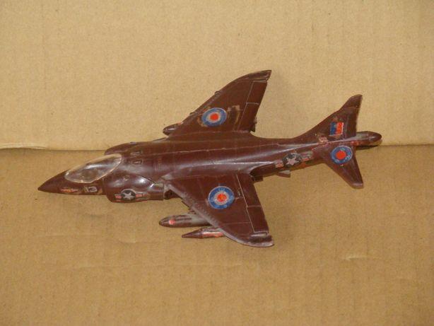 продам модели самолетов 1 фото длина-12 см ширина-25 см. 3 фото длина-