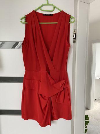 Czerwony kombinezon Zara