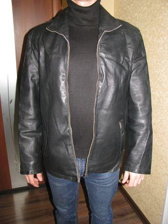 Кожаная мужская куртка (размер М 44-46)