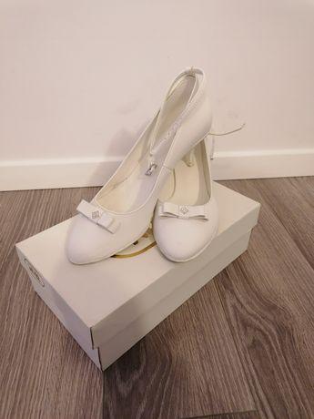 Buty ślubne 41 białe