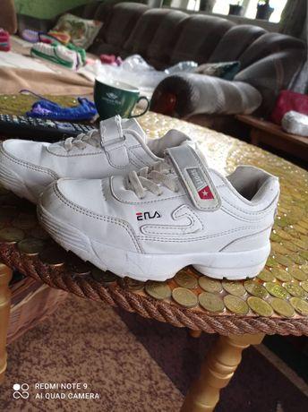Продам кросовки на мальчика