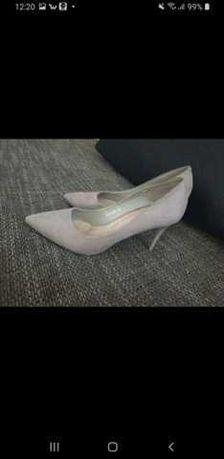 Buty na obcasie roz 40