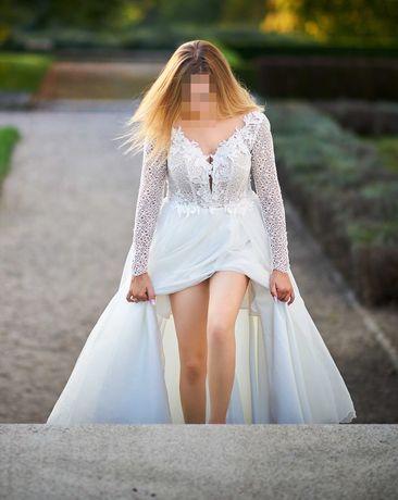 Suknia ślubna rozmiar 36/38 z efektownym rozporkiem