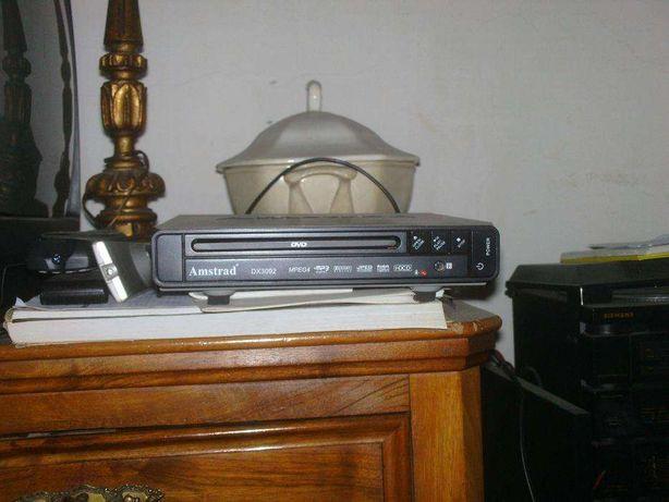 Vendo Leitor dvd amstrad dx3092 Com comando à distância