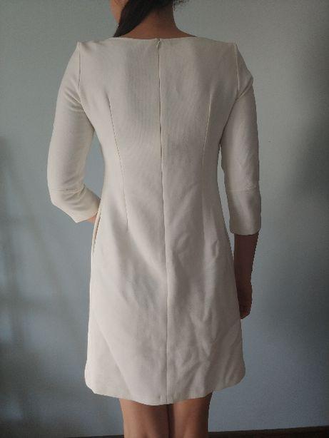 Prosta biała sukienka