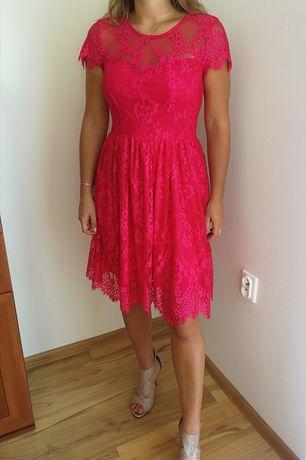 Koronkowa sukienka midi MOHITO