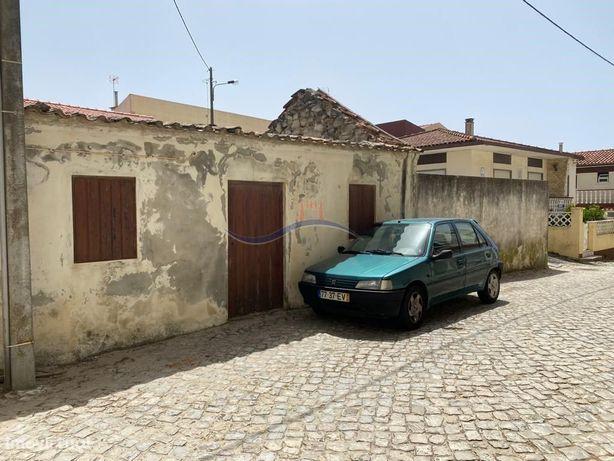 Terreno + casa em ruína - Praia do Pedrogão