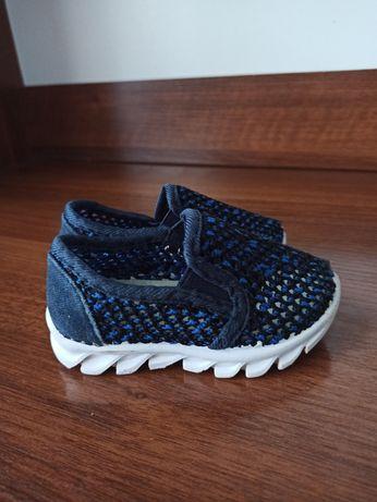 Детские летние кроссовки