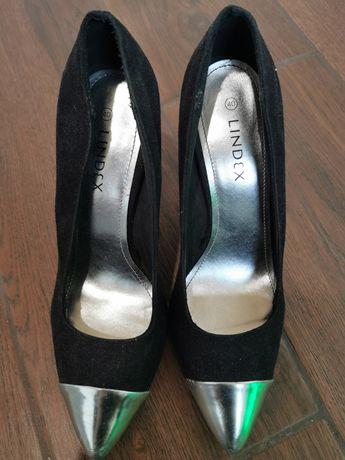 Продам туфли с длиным каблуком