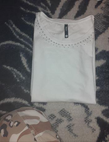 T-shirt biały z zdobieniami sinsay