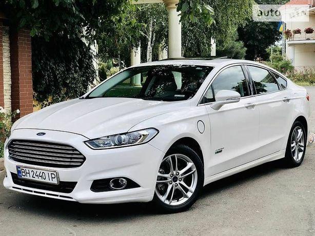 Ford Fusion hybrid plug in titanium phev