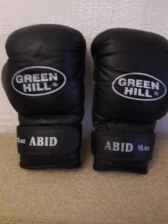 Срочно продам Боксёрские перчатки Green hill 10oz, натур.кожа