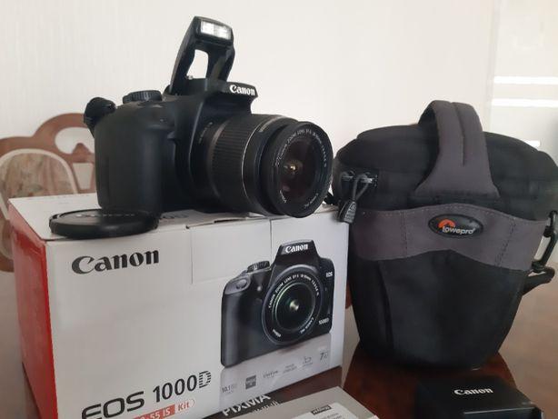 Фотоаппарат Canon EOS 1000D 18-55 KIT+сумка+флешка