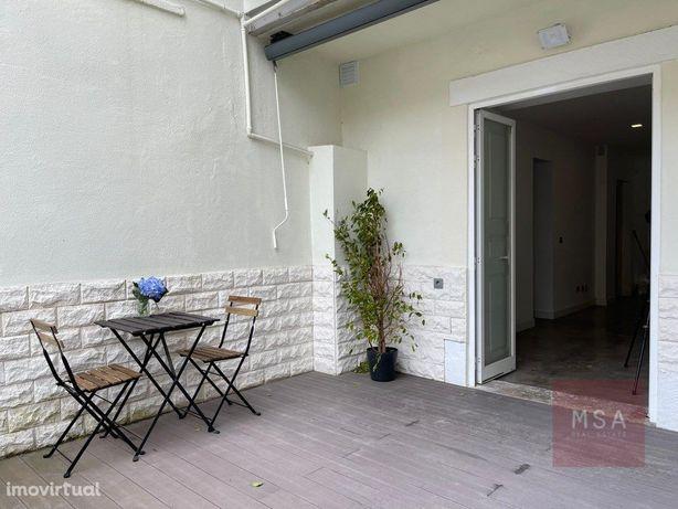 T1 remodelado com terraço na Estrela/Lapa