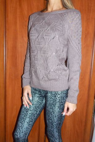 Красивый свитерок р. S ( 36)