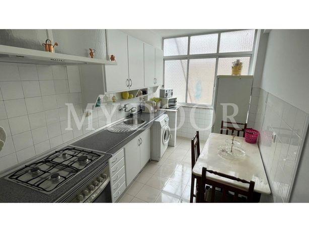 Apartamento T2 - Moscavide - 1ºAndar - Cozinha Equipada