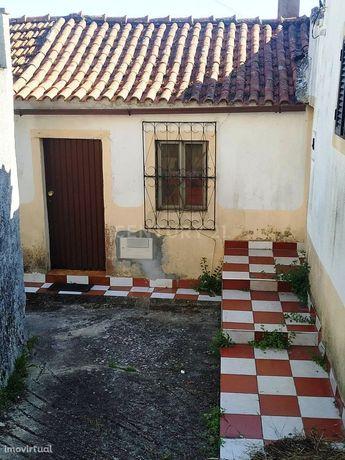 Casa antiga no Senhor da Serra, Semide