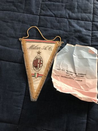 Galhardete do A. C. Milan oficial