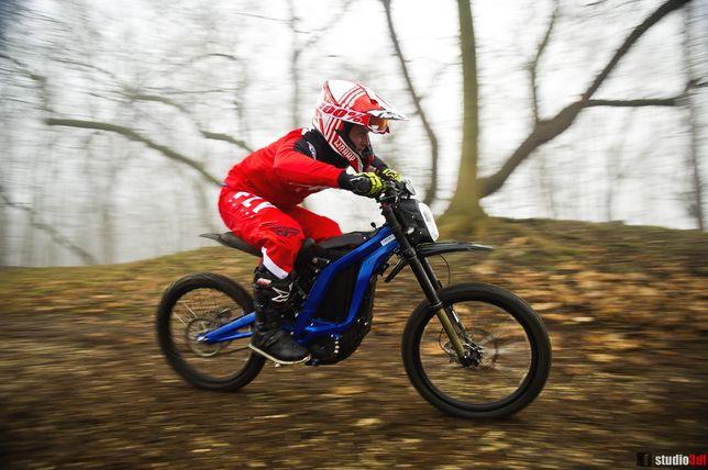 Wynajem Elektryczne rowery Crossy motorowery surron rental