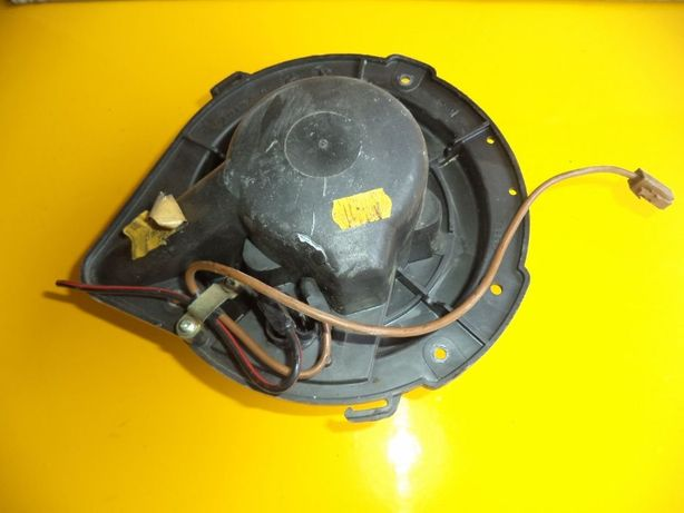 Мотор вентилятор моторчик печки Audi 80 90 Volkswagen T4 Passat B3 B4