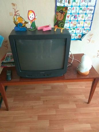 Журнальный столик, стол для телевизора