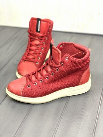 Кожаные кроссовки кеды высокие ecco, cos красные на платформе