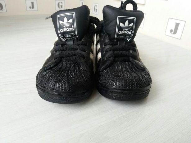 Кроссовки Adidas (оригинал). 29 размер.
