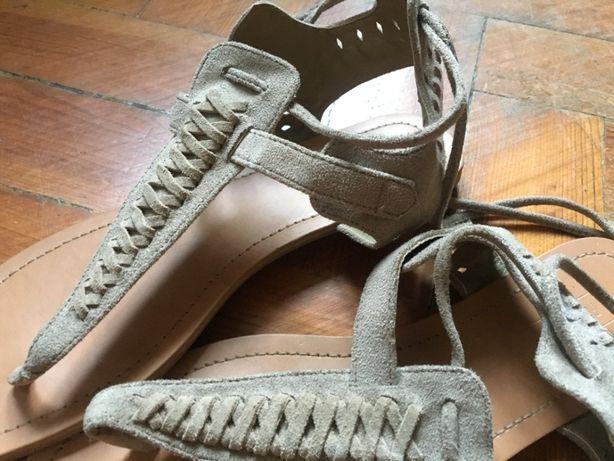 Sandálias rasas, Forever 21