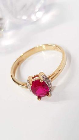 Złoty pierścionek r.15,17 pr.333